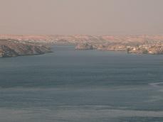 Blick vom Staudamm in Assuan